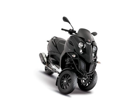 Piaggio Set To Release 170mpg Plug-In Hybrid Scooters