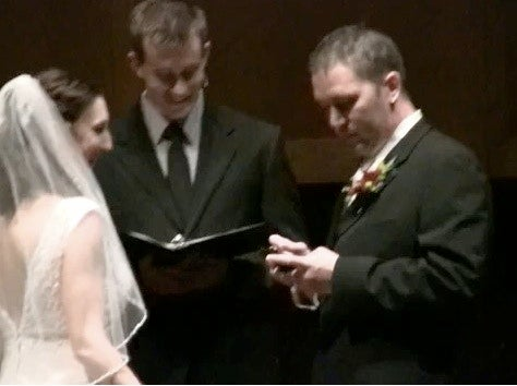 Groom Tweets, Changes Facebook Relationship Status from the Altar