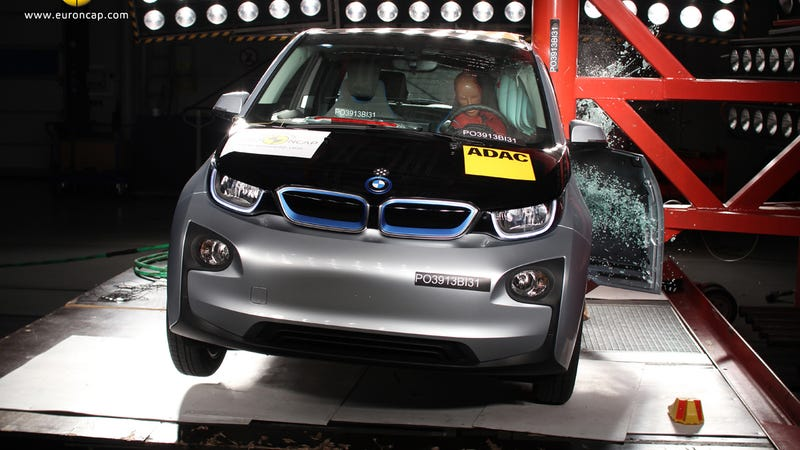 The All-Carbon Electric BMW i3 Doesn't Ace Safety Test