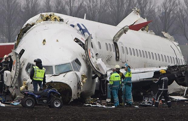 Airplane Crashes Breaking In Three Pieces, Only Nine Dead