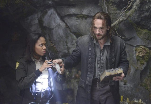 Ichabod is Snarky About the Banking Industry in New Sleepy Hollow Clip