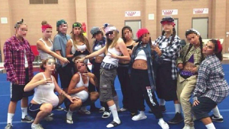 High School Cheerleaders Dress Up as Gang Members for Fun Team Photo