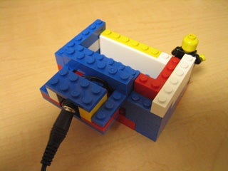 How to Make a Universal Cellphone Cradle: With LEGO, Duh