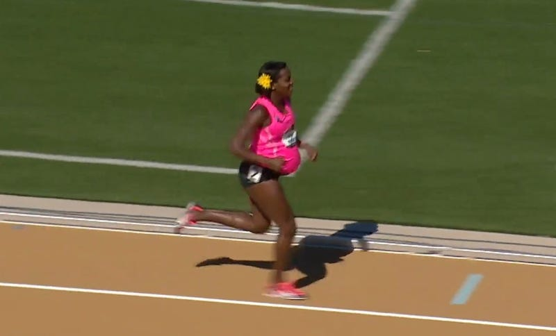8-Months-Pregnant Woman Runs In US Track Championships