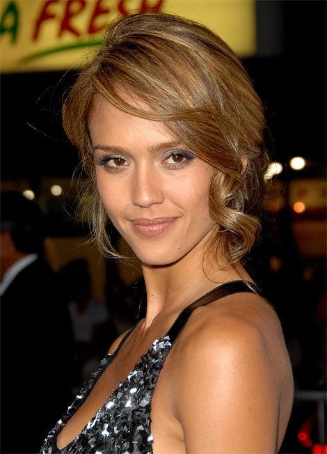 Jessica Alba? Or Elizabeth Berkley?