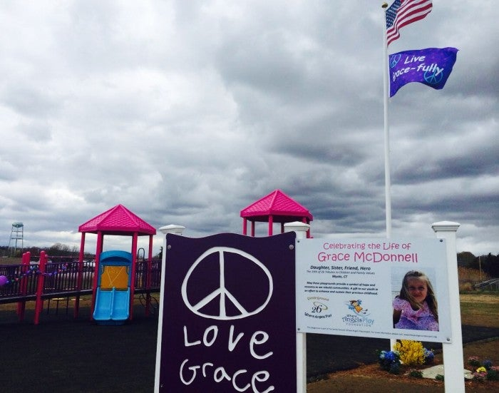 Sandy Hook Truther Steals Memorial Sign, Taunts Victim's Mother