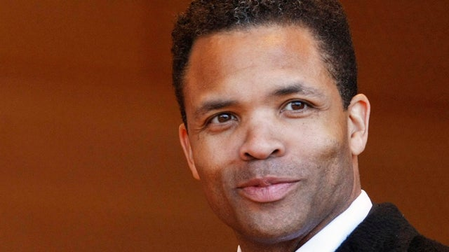 Cashmere Capes, Michael Jackson's Hat, and a Rolex: What Jesse Jackson Jr. Bought with His Fraud Money
