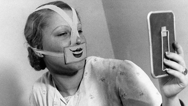 "The Creepy Story of How Budapest Became a ""City of Smiles"" in the 1930s"
