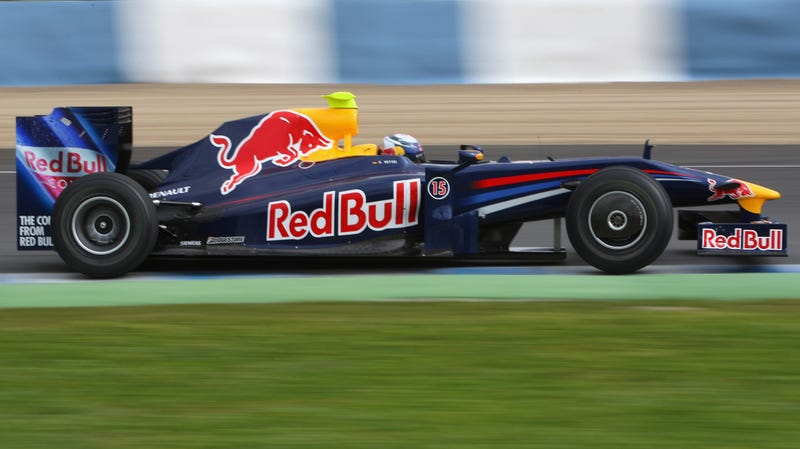 Red Bull Racing 2009 RB5 F1 Car Debuts At Circuito De Jerez, Gets Wings