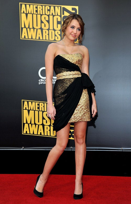 Fashions At The American Music Awards Were Seriously Baffling