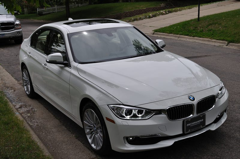 I finally figured out what has been bothering me about the new 3-series