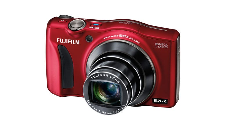 Fujifilm Makes Its Best Point and Shoot Faster and Zoomier