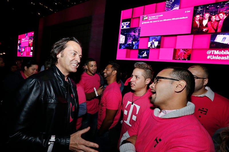 Un juez otorga a T-Mobile la exclusiva del color magenta en telefonía