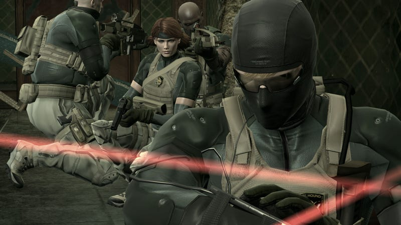 New Metal Gear Solid 4 Screens Sneak Out