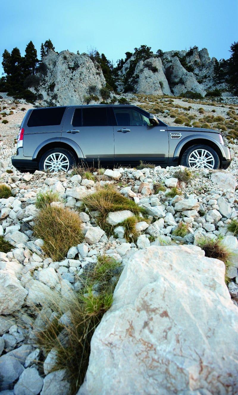 2010 Land Rover LR4 Updated With Jaguar V8