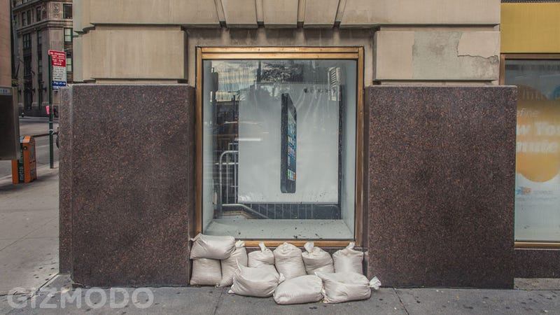 Did This Handful of Sandbags Save an AT&T Store?