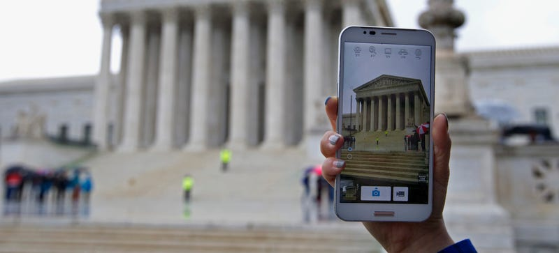 9 Highlights From Today's Supreme Court Cell Phone Privacy Decision
