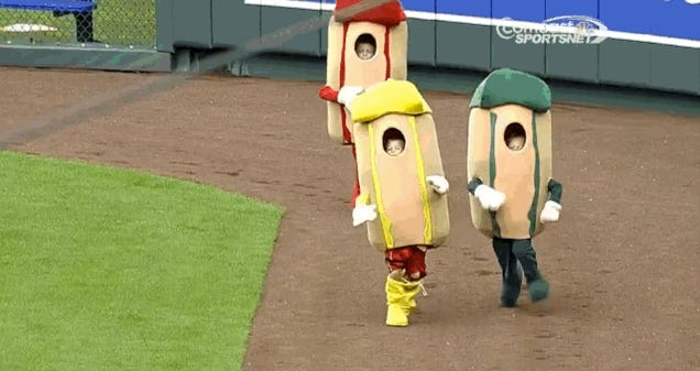 Kid Eats It In Royals Hot Dog Derby Because His Pants Kept Falling Down