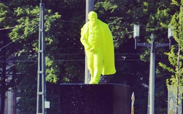 Pisilő Lenin vet véget a kommunizmusnak Közép-Európában. Fura érzés