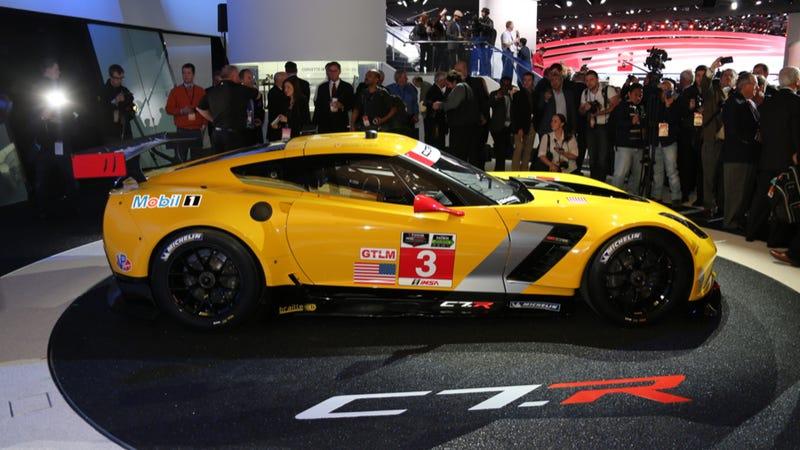 The Corvette C7.R Is The Hardcore Le Mans-Storming Race Vette You Need