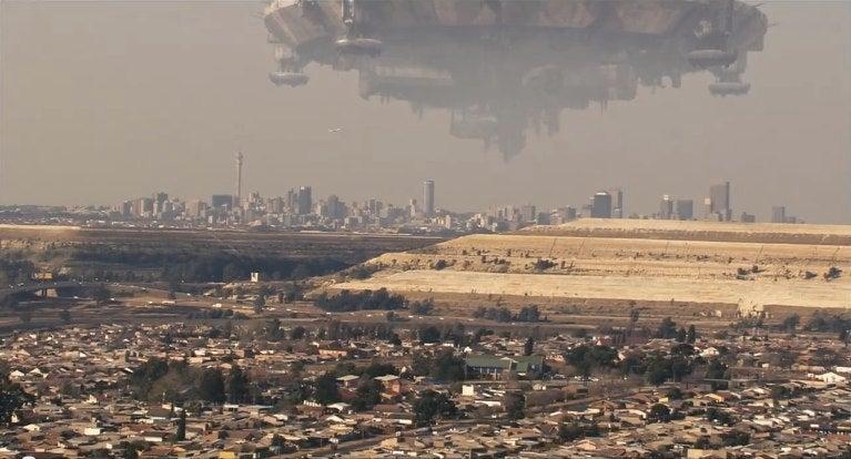 "The Best ""Aliens Land on Earth"" Scenes Ever Filmed"