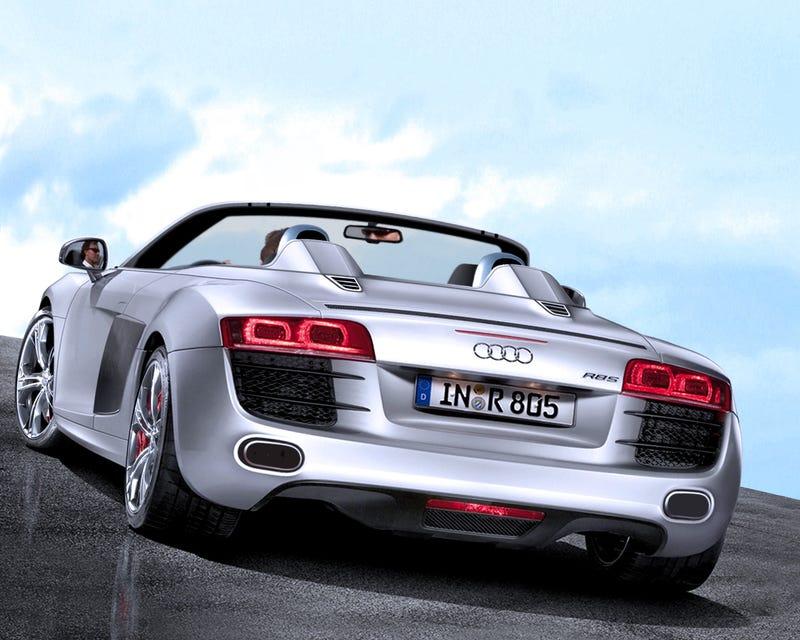 Audi R8 5.2 V10 Spyder Spied