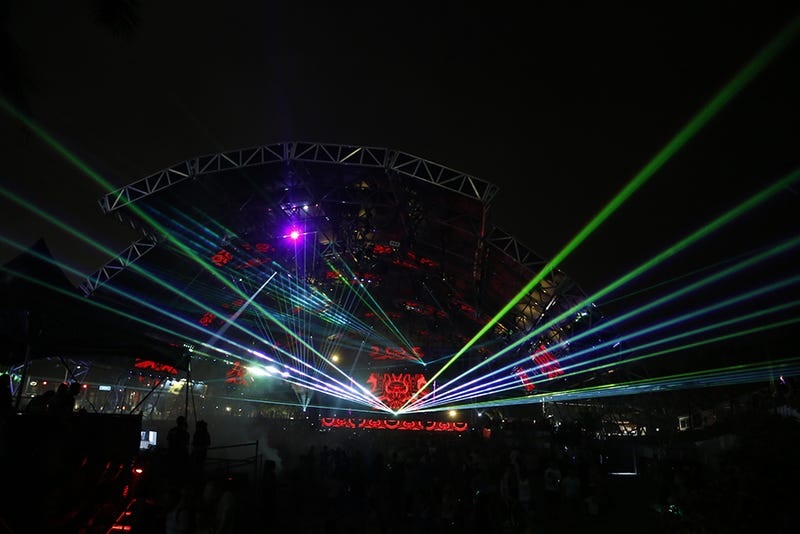 Guard Trampled By EDM Festival-Goers In Critical Condition