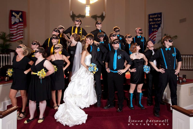 Batgirl and Nightwing's Wedding Shames All Other Geek Weddings