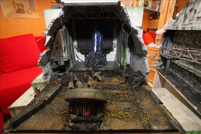 16-Year-Old Builds Elaborate S.T.A.L.K.E.R, Chernobyl Themed PC
