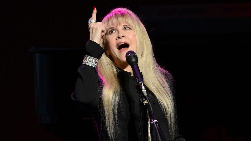 Stevie Nicks Calmly Discusses Murdering Nicki Minaj