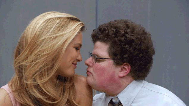 He Got Paid to Kiss a Supermodel. Because Webhosting.
