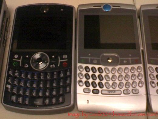 Motorola Q Pro Spotted Again, Next to Lesser Q