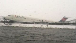The Crash of Delta 1086 Is Exactly Why Airlines Cancel Flights for Snow