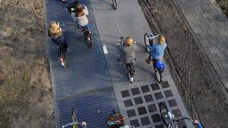 """El """"futurista"""" carril-bici solar de Ámsterdam es en realidad un fiasco"""