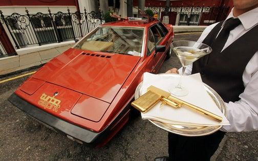 James Bond's Lotus Esprit Turbo Goes Under The Hammer, Again