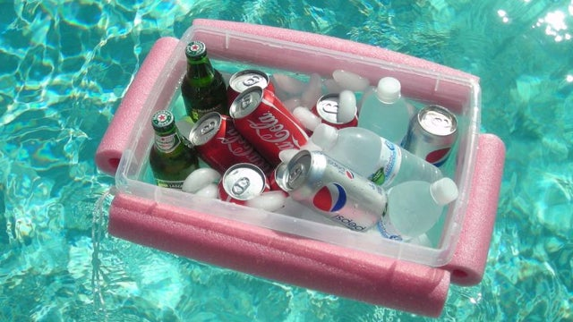 Keep Your Drinks Afloat With a Pool Noodle Barge