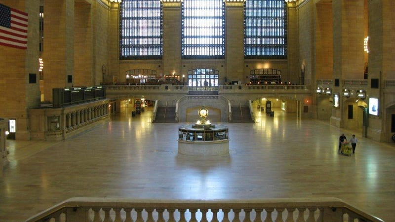 Hurricane Irene-emptied Grand Central Station looks like the end of the world