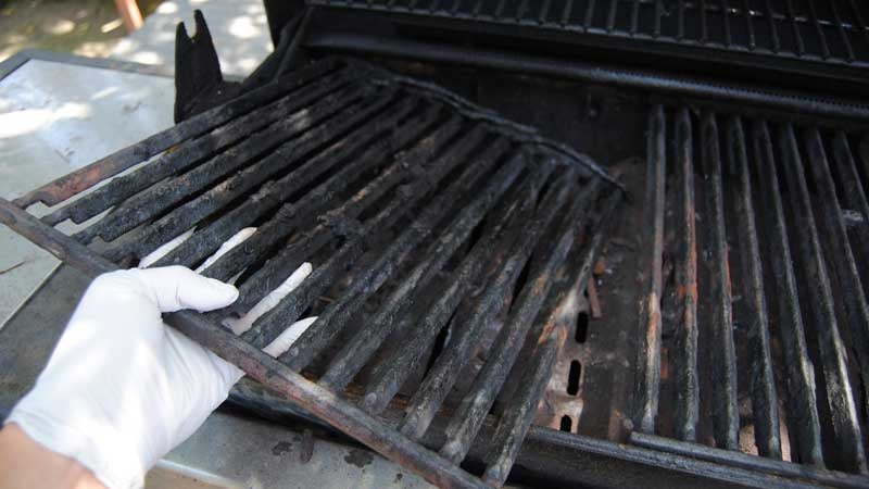 Winterize Your Grill to Protect it from Insects and Moisture
