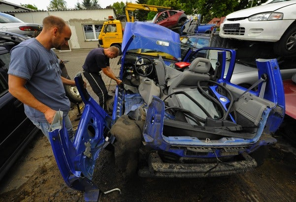 U.S. House Narrowly Passes Watered-Down Cash For Clunkers Bill
