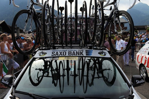 2010 Tour De France: Carbon Fiber And Roof Racks