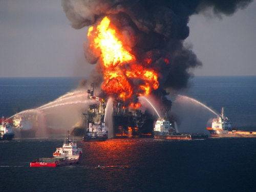 Fiery Oil Rig Sinks Into Gulf Of Mexico
