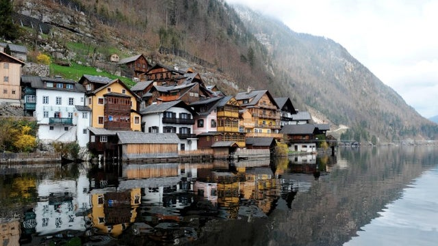 Chinese architecture firm duplicates Austrian village, half a world way