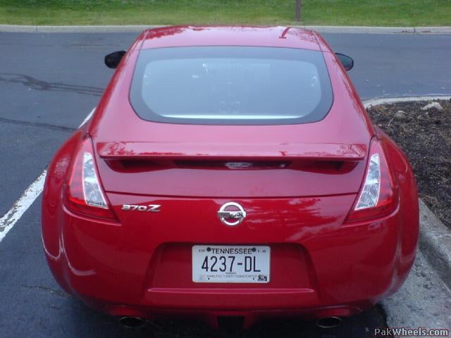 2009 Nissan 370Z Caught With Its Hood Open, Trunk Empty