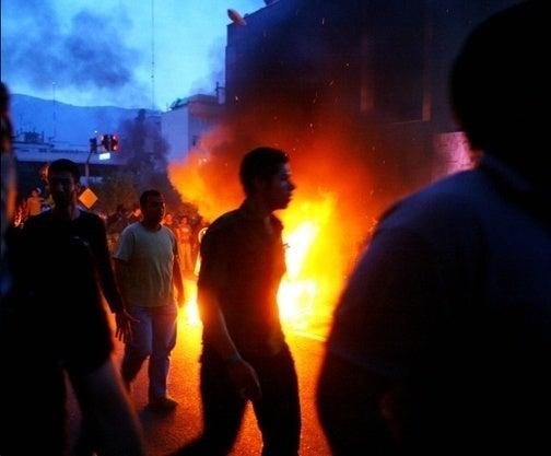 Iran Arrests Entire Newspaper