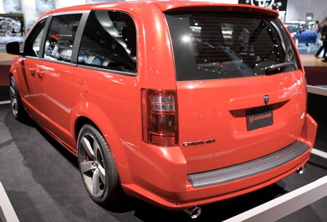 Detroit Auto Show: Dodge Caravan R/T Concept Gets You to Target Faster