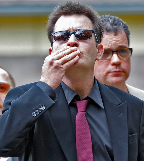 Charlie Sheen Agrees to 'Quickest Jail Sentence Ever'