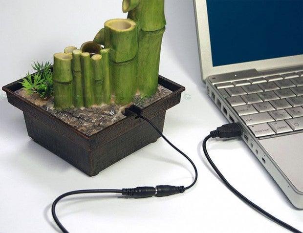 Worries of Godzilla Vanish with this Mini USB-Powered Zen Garden