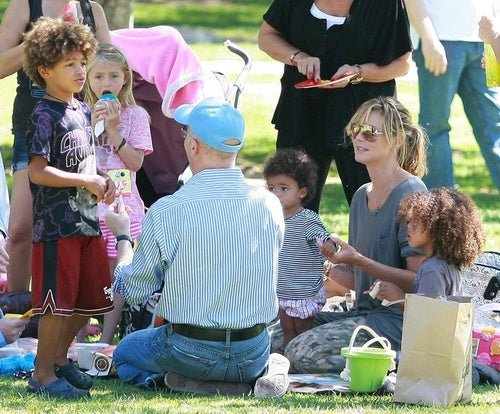 Don't Go Out In The Woods… Heidi Klum & Her Kids Have Their Picnic
