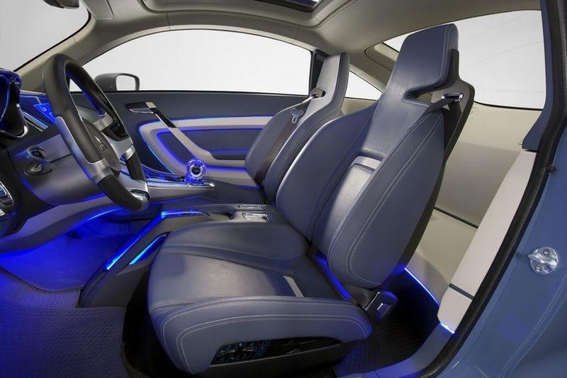 Mitsubishi iMiEV Sport Air Concept: Similar Body, Tron-Like Interior