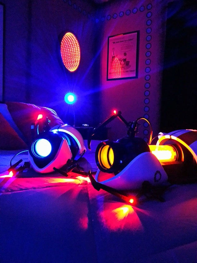 This Portal-Themed Bedroom Is Outrageous And I Want To Live In It